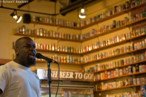 Omoizele Okoawo performs at the Harpoon Brewery. Photo by Richard Beaubien.
